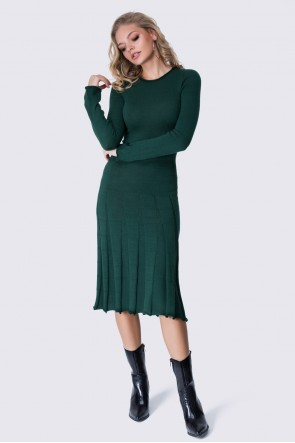 Платье вязаное зеленое