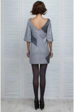 Платье серое с нашивками