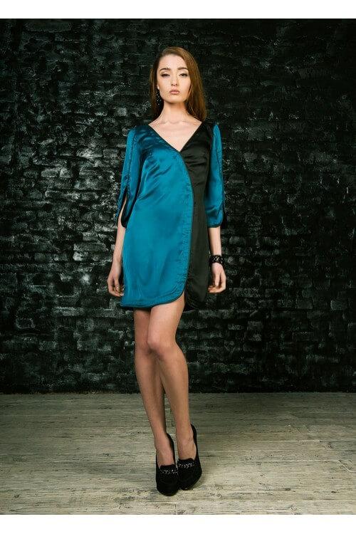 Платье шелковое с кожаным кантом