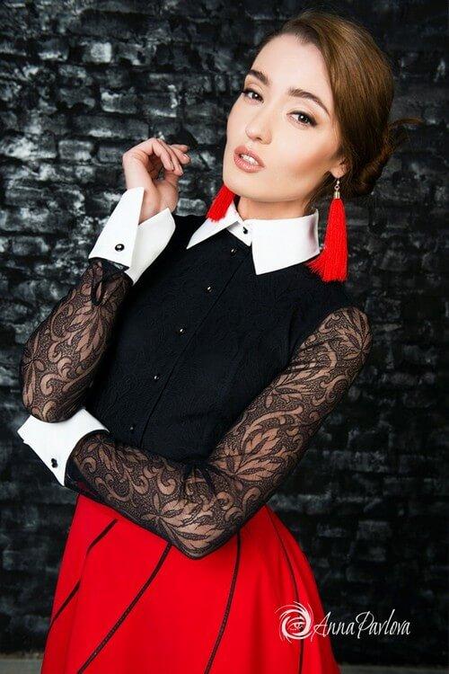 Блузка черная кружевная